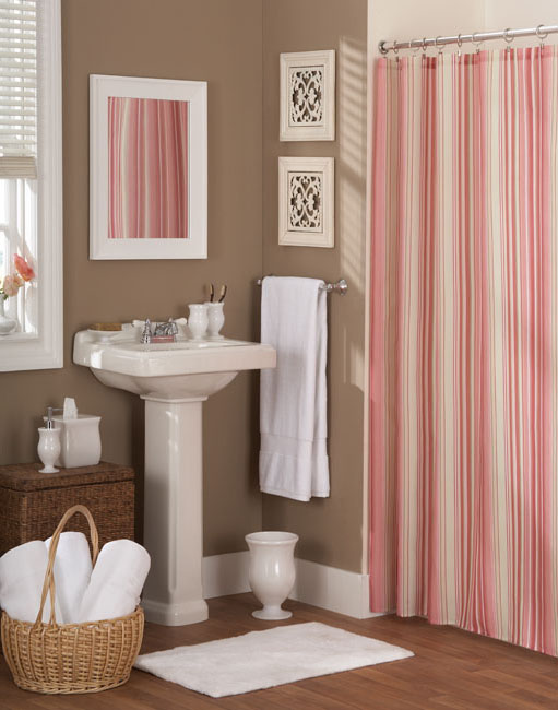 Red Striped Shower Curtain With Bath Mat And Towels
